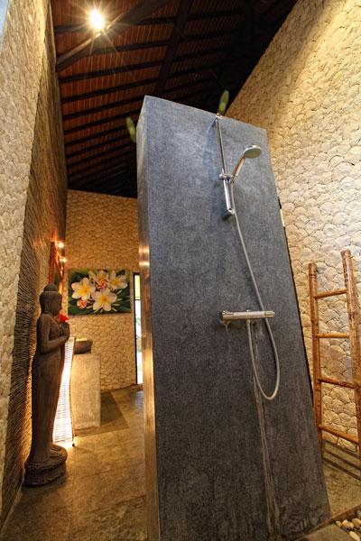 Eine Schone Dusche Ein Unvergesslicher Urlaub In Nord Bali