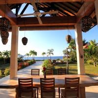 Genießen Sie den Blick über das Meer Bali