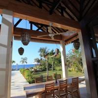 Auf der überdachten Terrasse des Ferien in Bali Sie Ihr Mittagessen genießen.