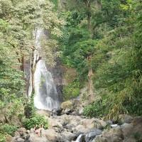 Schöne Wasserfälle