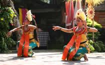 Schöne balinesische Tänze