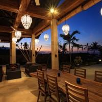 Auf der Terrasse genießen Sie den Abend in Bali